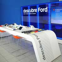 Los vicepresidentes ejecutivos de Ford Europa inauguran las instalaciones Ford Store de Vedat Mediterráneo en Catarroja